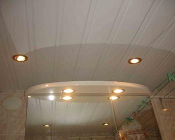 потолок из пластиковой панели