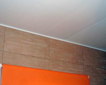 монтаж пластиковых потолков