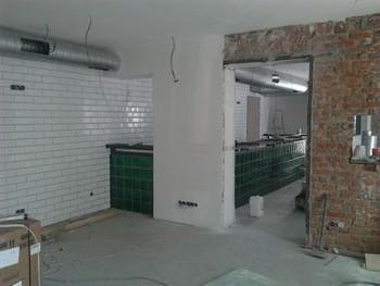 внутренний ремонт ресторана (процесс)