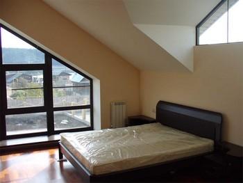 Ремонт потолка в спальне